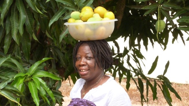 Nancy with Mangos